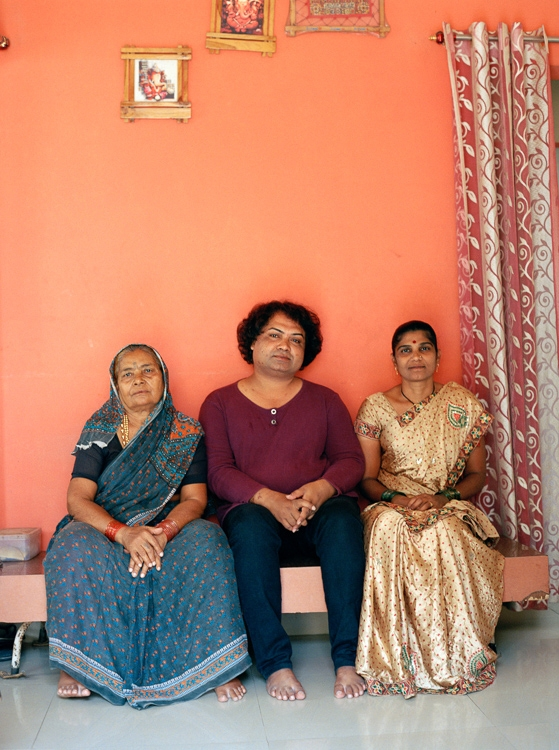 https://www.marcleclef.net/files/gimgs/th-52_SUDHEER WITH HIS MOTHER AND WIFE, VIDYA_ WHEN WE SAT DOWN TO TALK ABOUT SUDHEERS JOURNEY, VIDYA ANNOUNCED I KNOW EVERYTHING, WE CAN TALK ABOUT ANYTHING_ MAHARASHTRA 2018-2.jpg